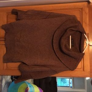 Sweater with loose fitted neck